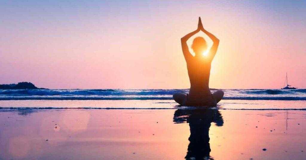 Posturas de yoga para el crecimiento del cabello