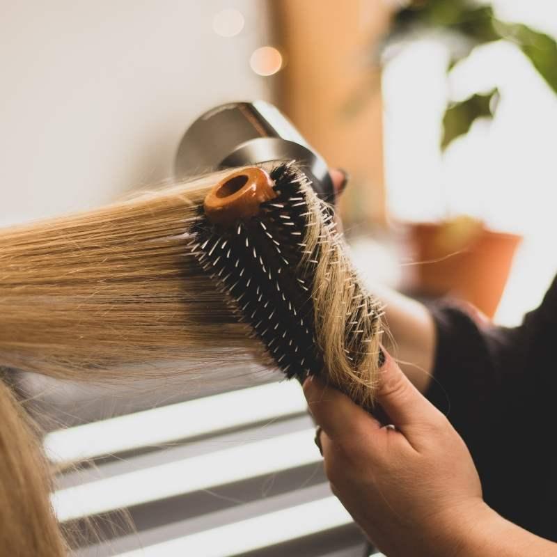 cabello se seque de forma natural